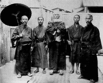 Five_men_wearing_Ryukyuan_Dress