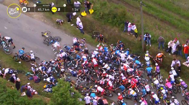 ツール・ド・フランス 観客 妨害 落車に関連した画像-01