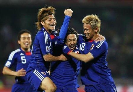 サッカー日本代表3