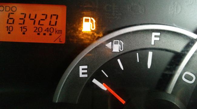 ツイッタラー「友だちに車出させてそのまま帰るやつなんなの?こっちはバカ高い維持費払ってるんだからガソリン代くらい置いてけ」