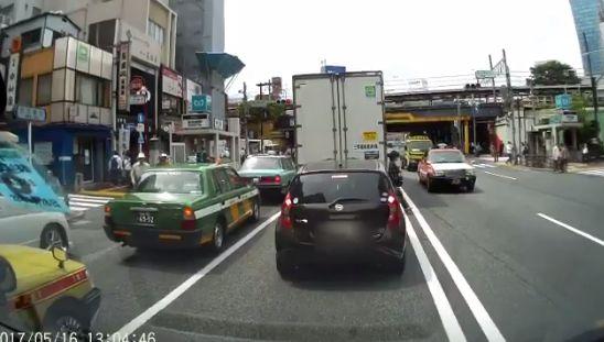 ドライブレコーダー 歩行者 車に関連した画像-05