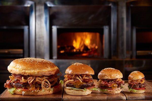 ハンバーガー オークドア ジャンボサイズ グランドハイアット に関連した画像-03
