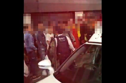 渋谷 ハロウィン パリピ 警察官に関連した画像-01