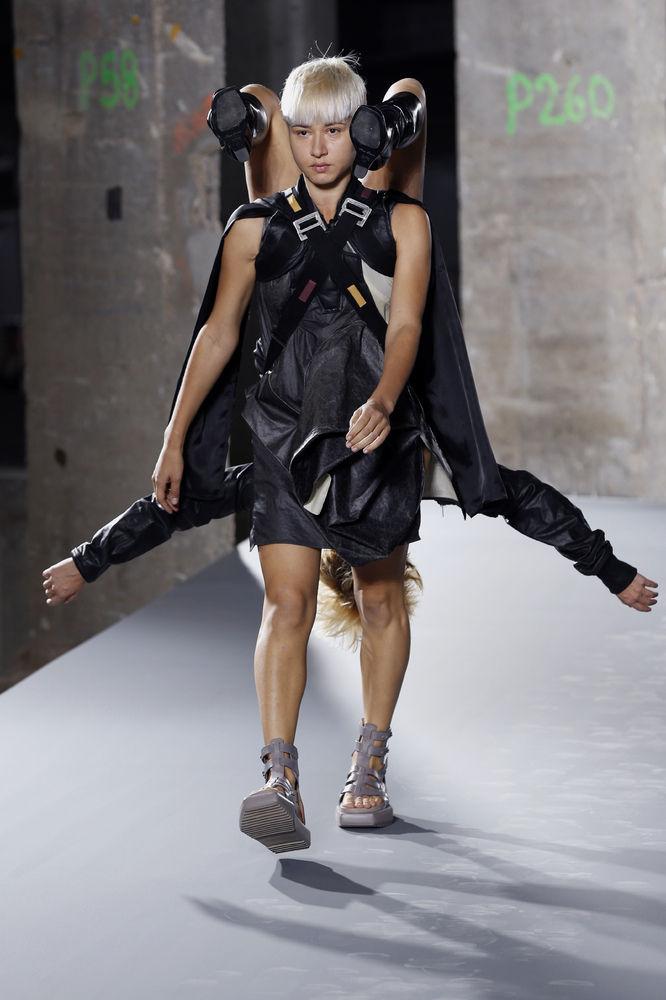 パリコレ ファッションに関連した画像-07