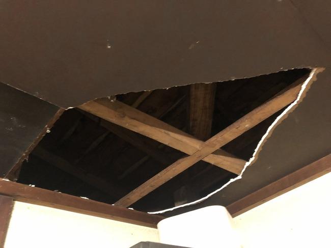 台風 屋根裏 不発弾 照明弾に関連した画像-02