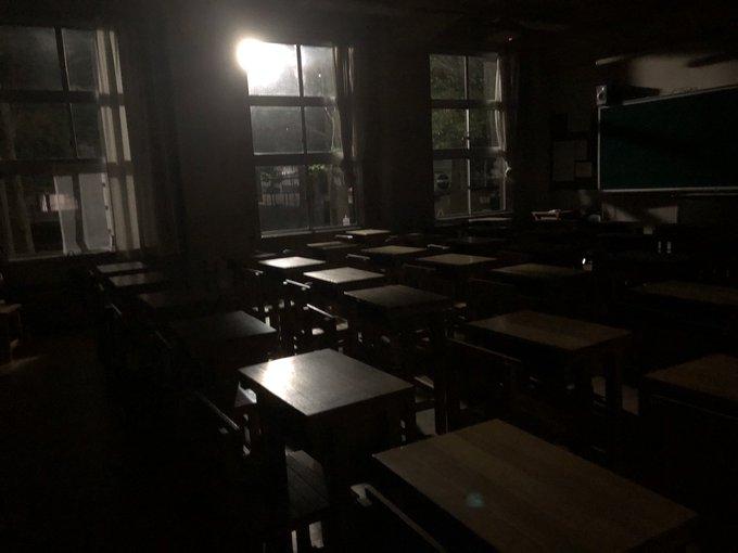 学校 寝る 学生 夜に関連した画像-02