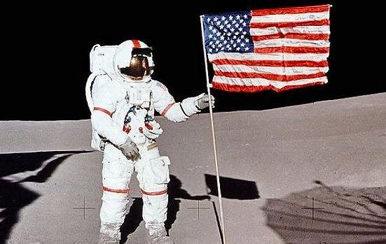 アポロ14号 月 石 地球に関連した画像-01