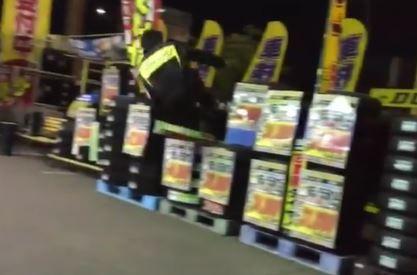 イエローハット タイヤ ドロップキック 真空竜巻旋風脚 動画に関連した画像-01