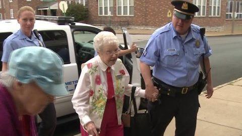 おばあちゃん 逮捕 誕生日に関連した画像-01