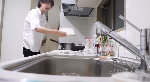 はじめしゃちょー ノートパソコン 天ぷら ドッキリ 炎上 批判殺到に関連した画像-10