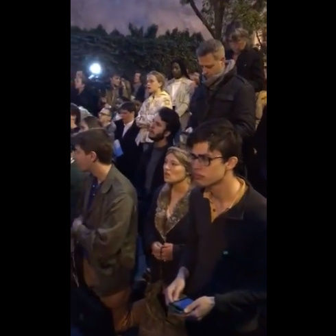 ノートルダム大聖堂 火災 パリ アベマリア 合唱 映像に関連した画像-02