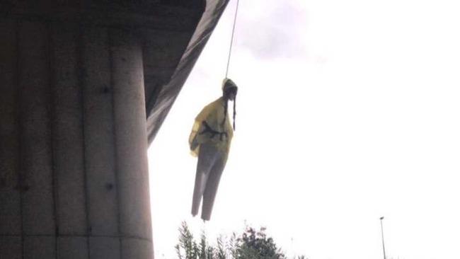グレタ・トゥンベリ 16歳 環境活動家 イタリア ローマ 人形 吊るすに関連した画像-04