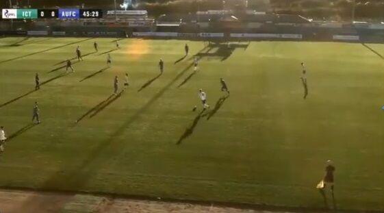 サッカー AIカメラ 撮影 ボール スキンヘッド 副審 勘違いに関連した画像-01