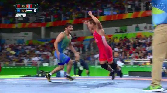 リオ五輪 オリンピック レスリング モンゴル ウズベキスタン 反則 脱衣 発狂 抗議に関連した画像-01