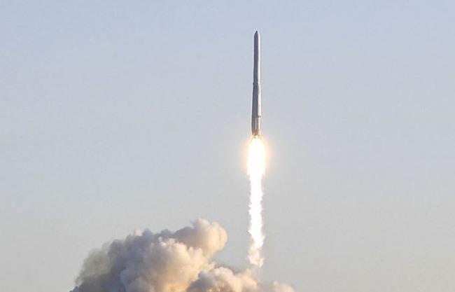 【あっ】韓国さん、初の国産ロケット打ち上げに無事失敗/(^o^)\