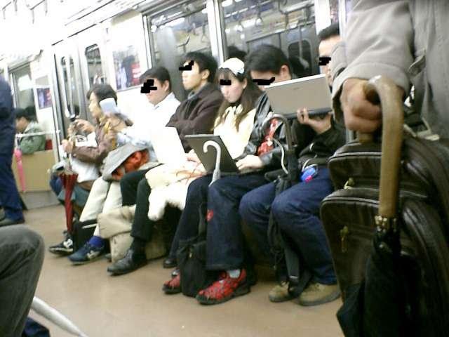 電車 オフ会 光景 モバイル機器 時代 電話に関連した画像-03