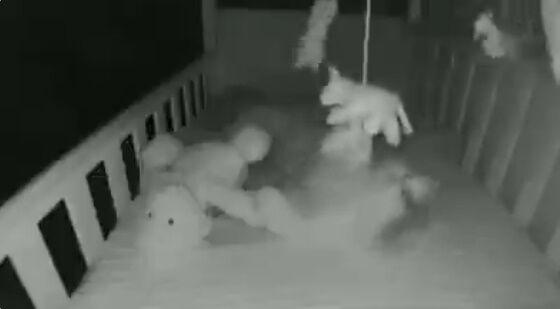 子供部屋 赤ちゃん ベビーモニター 携帯電話 通知 猫に関連した画像-02