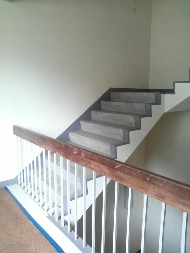 無人ビル 階段に関連した画像-02