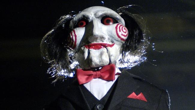 映画『ソウ』の脱出ゲームがマジで死人が出るレベルで怖いと話題に…