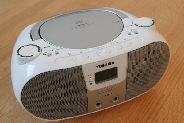 今は「CDが売れない時代」ではなく「なぜかまだCDを売ってる時代」、もはや家庭にCDを再生する機器が一台もないのが普通