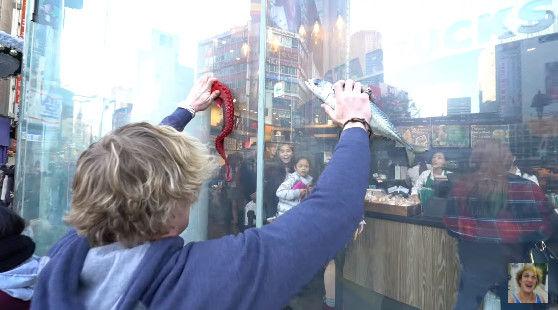 ユーチューバー ローガンポール 青木ヶ原樹海 自殺体 日本 動画 モラルに関連した画像-08