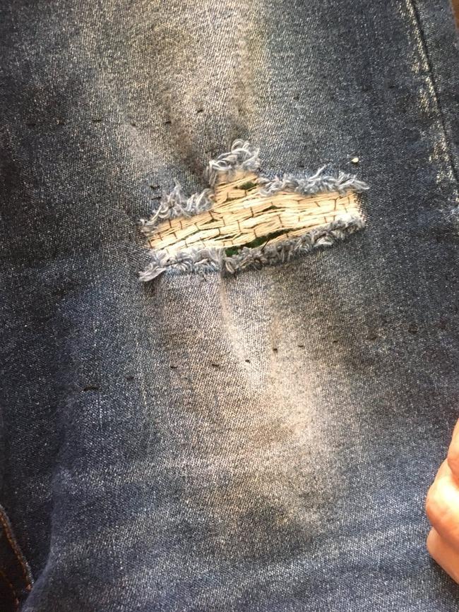 ダメージジーンズ 直す 縫う デザイン おばあちゃんに関連した画像-02