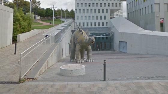 ステゴサウルス 恐竜 像 内部 異臭 男性 遺体に関連した画像-03