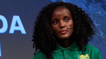 グレタさんと共にダボス会議に参加した黒人環境活動家、海外メディアが撮影した写真で自分だけトリミングされ絶望「これが差別か・・・」