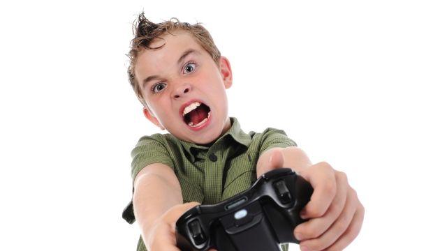 ゲーマー 攻撃的 暴力に関連した画像-01