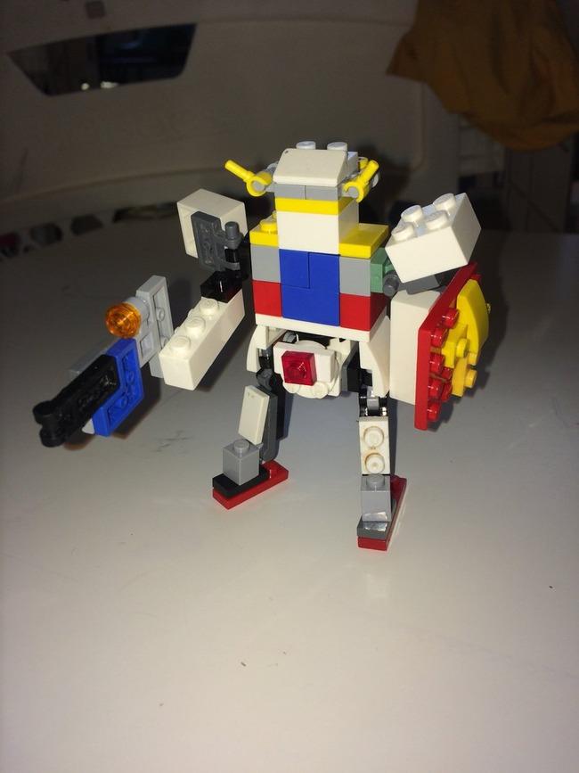 6歳 ガンプラ 天才 レゴに関連した画像-03