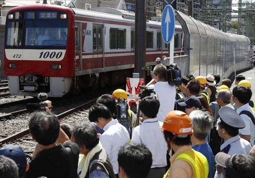 京急事故でマスコミの『電車運転士が悪い』的な報道に、元運転士がブチギレ!「100Kmで非常かけても、700m位止まらない」