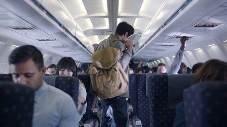飛行機 席 隣 ミュージシャン ファン ほっこりに関連した画像-01