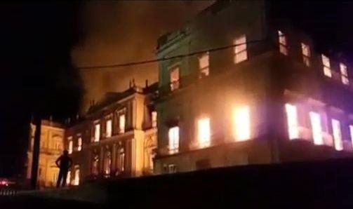 ブラジル 博物館 火事 火災に関連した画像-01