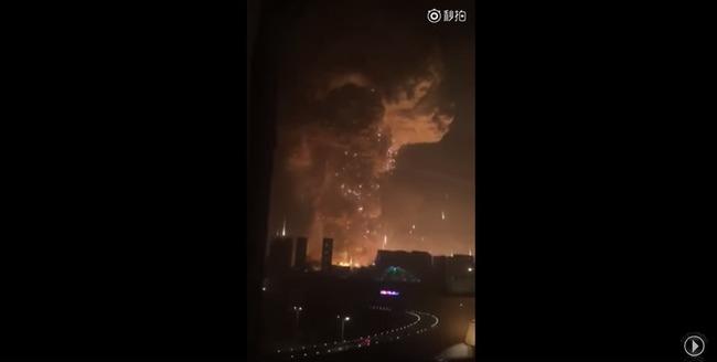 中国 爆発に関連した画像-06
