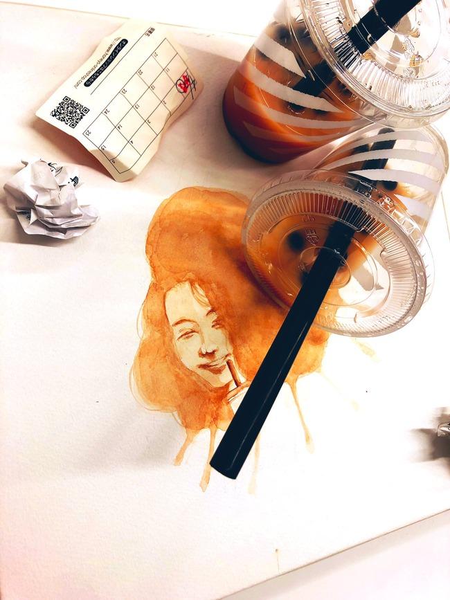 タピオカ ポイ捨て 飲み残し 捨てる 作品 アート 風刺 フェミニスト 炎上に関連した画像-03