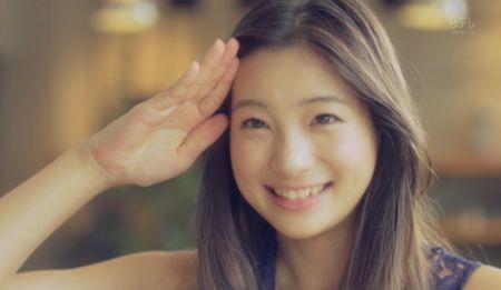 【悲報】女優・足立梨花さん、批判ツイートが殺到しまくってメンヘラ化してしまう…「私が○○ばよかったんだ」