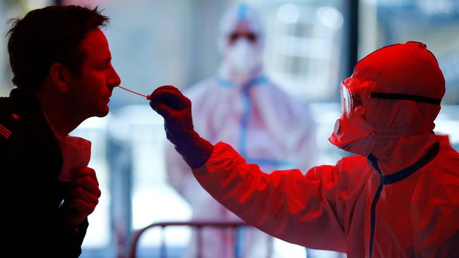 イギリス 新型コロナ 中国 検査キット ウイルス付着に関連した画像-01