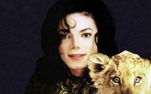 マイケル・ジャクソン 死後 収入に関連した画像-01