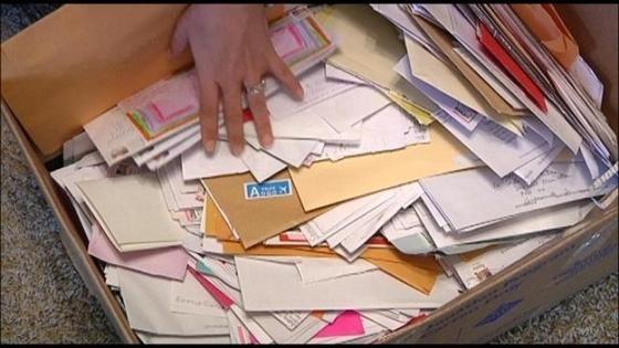 郵便局員 郵便物 隠すに関連した画像-01