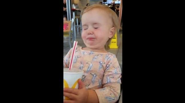 赤ちゃん コーラ リアクションに関連した画像-06