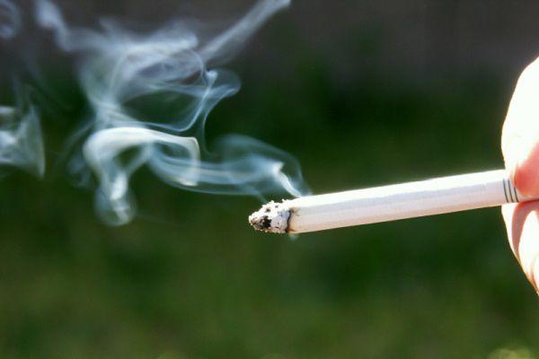 歩きタバコ タバコ 近接武器 設置型武器に関連した画像-01