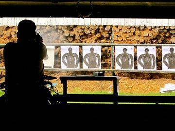 黒人の写真を射撃の的にに関連した画像-01