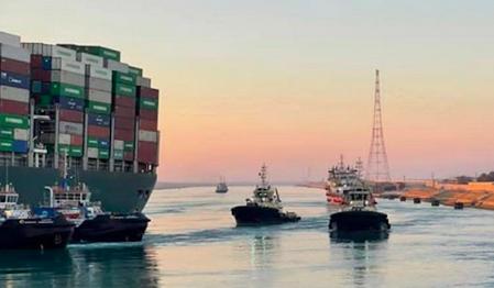 スエズ運河 座礁 タンカー 事故 エジプトに関連した画像-01