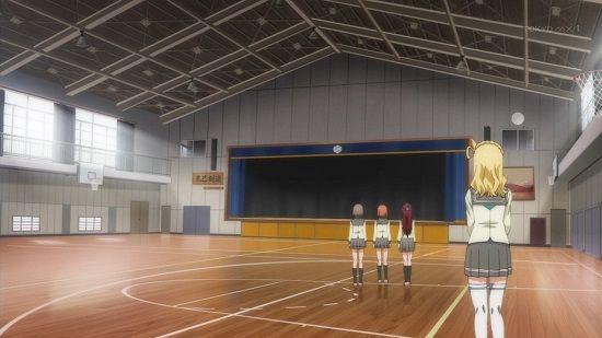 東京の高校がクーラー無しの体育館に生徒700人を集め講演会→体調不良者続出で25人が熱中症に!ネットでは「アホ過ぎる」と批判殺到
