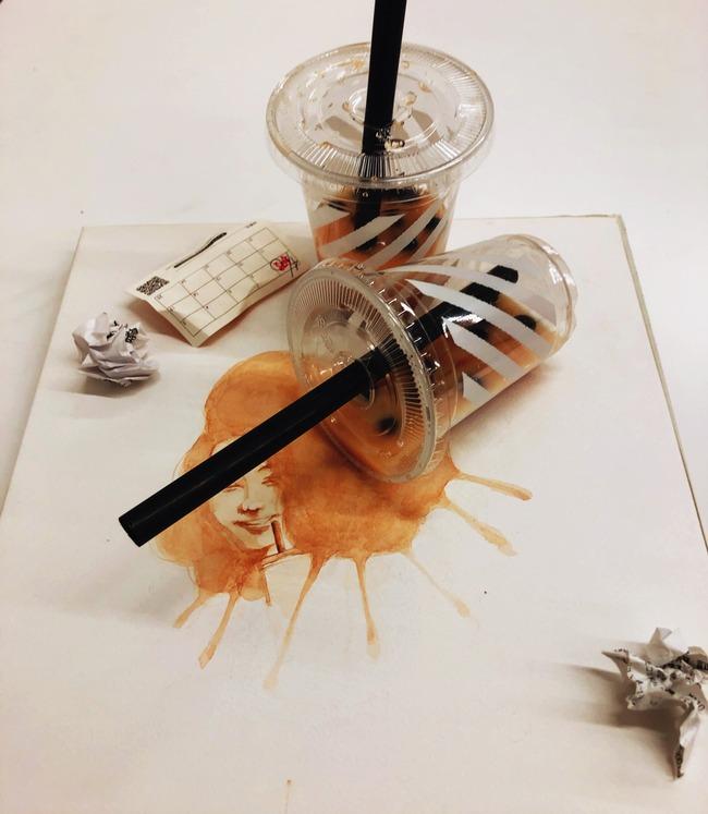 タピオカ ポイ捨て 飲み残し 捨てる 作品 アート 風刺 フェミニスト 炎上に関連した画像-02