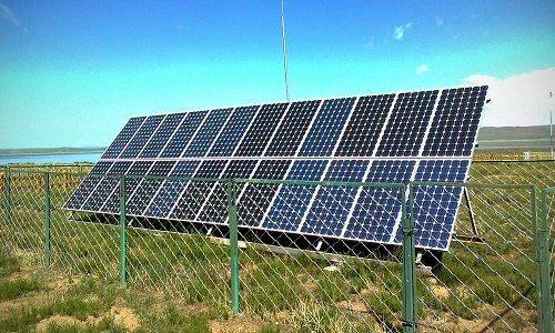 公園 ソーラーパネル 破壊 中学生に関連した画像-01