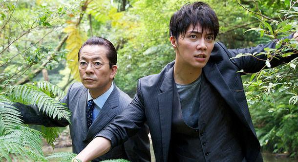 【悲報】成宮寛貴さんの芸能界引退で、ドラマ「相棒」の約80%が再放送出来なくなる可能性が浮上