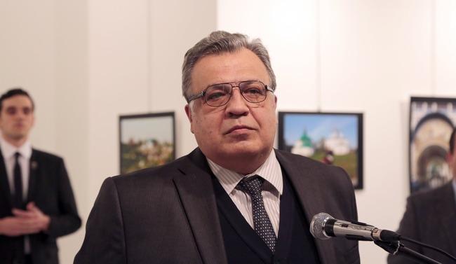 トルコ ロシア大使 射殺に関連した画像-01