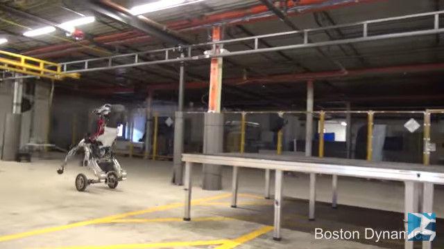 ボストン・ダイナミクス ロボット 2足歩行に関連した画像-16