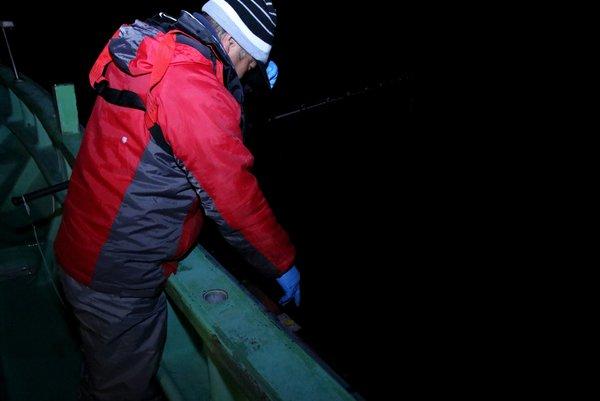 謝罪会見 漁船 フラッシュ 光 イカ 釣れる 検証 に関連した画像-11